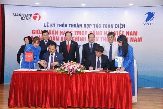 VNPT ký kết thỏa thuận hợp tác toàn diện với Maritime Bank - Ảnh 1.