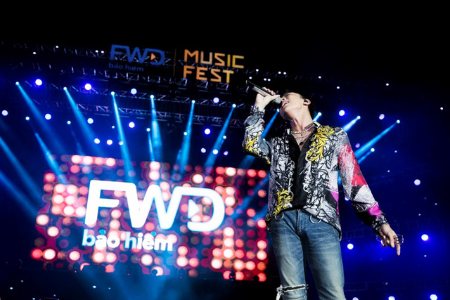 FWD Music Fest xứng đáng là lễ hội âm nhạc hoành tráng của năm - Ảnh 4.