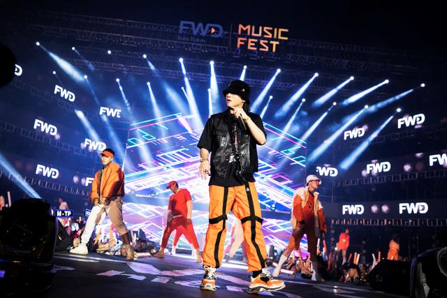 FWD Music Fest xứng đáng là lễ hội âm nhạc hoành tráng của năm - Ảnh 6.