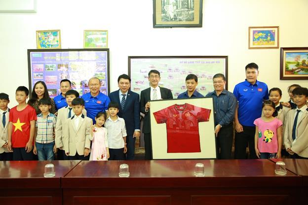 Việt Nam Suzuki đồng hành cùng bóng đá nước nhà vươn tầm thế giới - Ảnh 2.