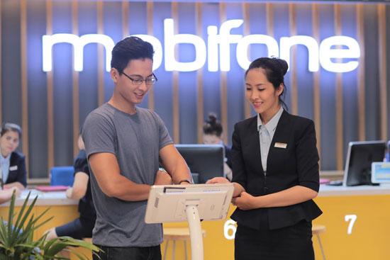 MobiFone hoàn 25% cước cho khách chuyển mạng giữ số - Ảnh 1.
