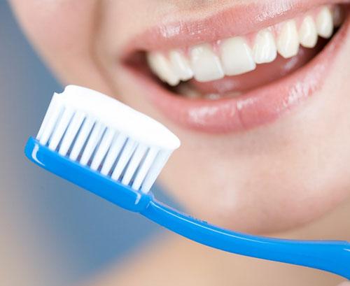 Bạn có đang phạm phải các sai lầm này khi chăm sóc răng miệng? - Ảnh 3.