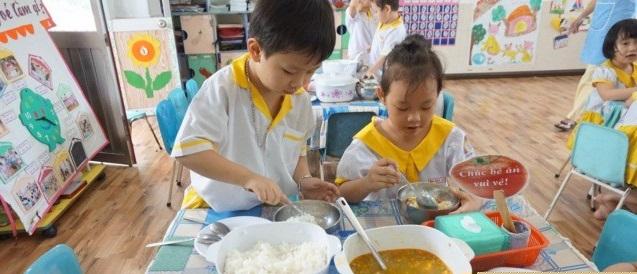 Vai trò của bữa ăn dinh dưỡng đủ chất đối với sự phát triển toàn diện của trẻ - Ảnh 1.
