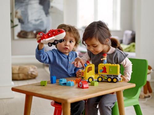 """Bí kíp chọn đồ chơi cho trẻ mẹ nào cũng nên """"thuộc nằm lòng"""" - Ảnh 1."""
