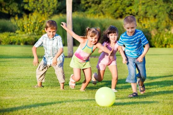 Hè đến đừng ép con học thêm, vui chơi là cách học tốt nhất! - Ảnh 2.