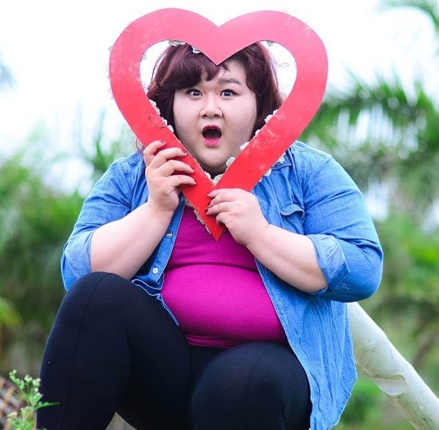 Ngô Thủy Tiên - hành trình 7 ngày giảm eo nhờ gen nịt bụng - Ảnh 1.