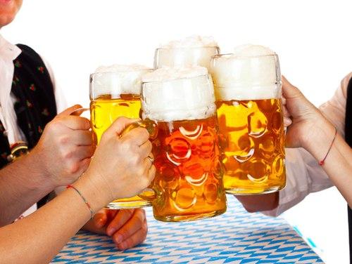 Học người Nhật cách phòng tránh viêm đại tràng do uống bia rượu - Ảnh 1.