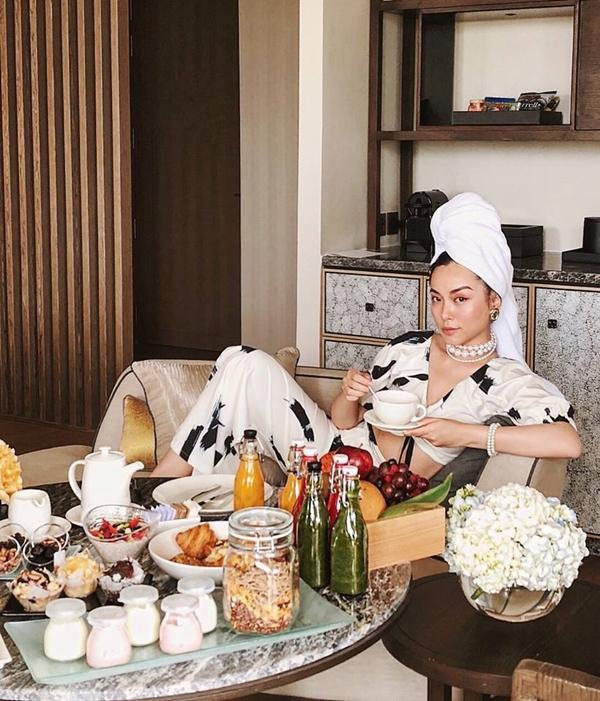 Ngưỡng mộ với hành trình giảm 14kg của travel blogger Hà Trúc - Ảnh 5.