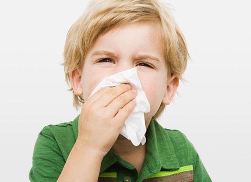 Giao mùa cảnh giác bệnh viêm mũi họng cấp ở trẻ - Ảnh 1.