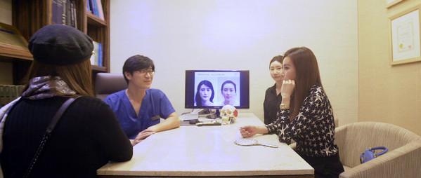 Cuộc sống sang chảnh, ngập trong đồ hiệu của nữ CEO người Việt tại nước ngoài - Ảnh 13.