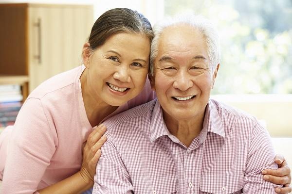 Chăm sóc người già sau tai biến: Ngoài phương pháp đúng đắn, cần đề cao tính tự chủ - Ảnh 2.