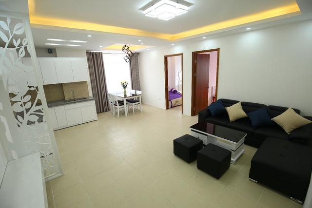 Căn hộ mẫu ấn tượng với tất cả các phòng đều tràn ngập ánh sáng và nội thất cao cấp.