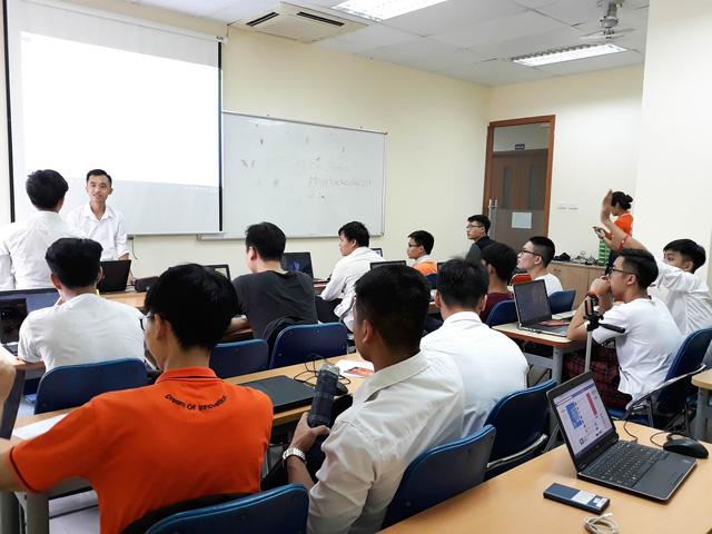 """Đổ bộ lớp học trải nghiệm """"2K Phiêu Lưu Làm Hacker Mũ Trắng"""" tại FPT Jetking - Ảnh 1."""