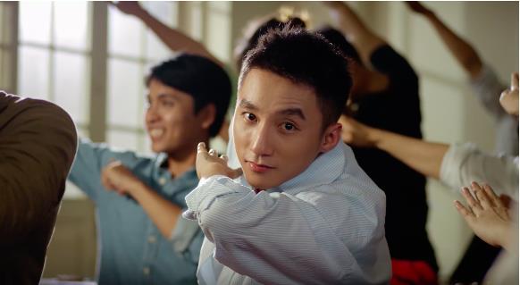 Ra đây mà xem Sơn Tùng M-TP lại đẹp điên đảo thế giới ảo trong clip mới - Ảnh 2.