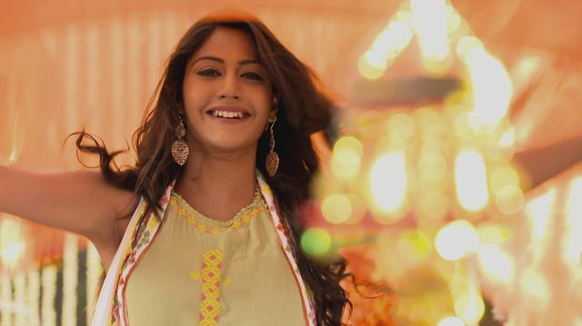 Gặp Surbhi Chandna và Nakuul Mehta - Cặp đôi đình đám trong Cuộc chiến gia tộc - Ảnh 3.