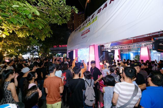 Tóc Tiên biểu diễn ca khúc mới, khuấy động khán giả tại Bitexco - Ảnh 8.