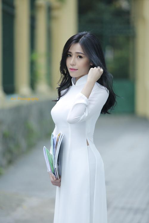 Yuna (Phan Quỳnh Ngân) phát hành phim ngắn đạt triệu view trong 4 ngày đầu tiên - Ảnh 3.