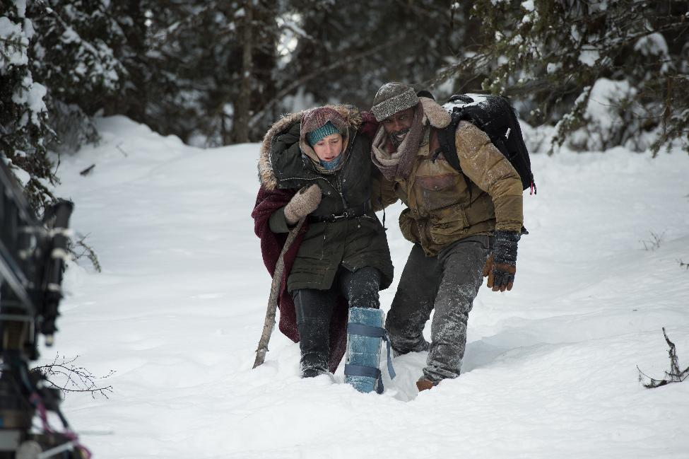 """The Mountain Between US: """"Vị ngọt"""" khi cùng nhau tìm đến hạnh phúc - Ảnh 4."""