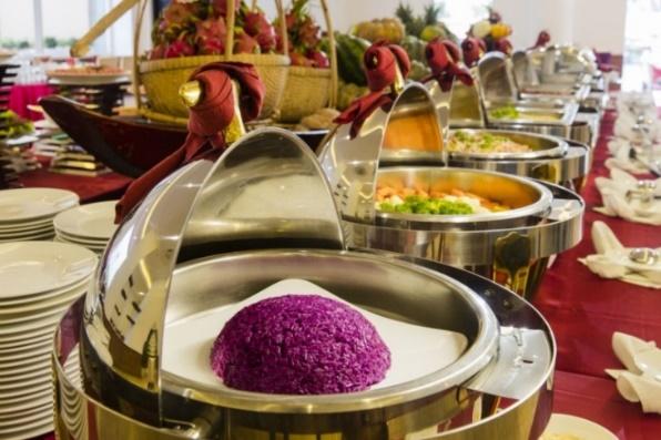 Xuôi về miền tây, ngược lên cao nguyên - Trải nghiệm ẩm thực phong phú mùa lễ hội tháng 12 - Ảnh 2.