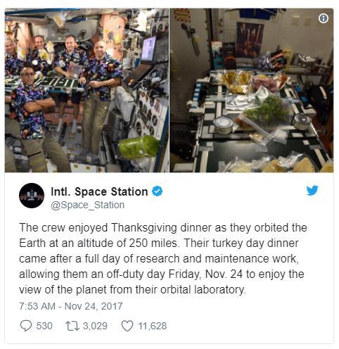 Nếu có một bữa tiệc trên tàu vũ trụ, các phi hành gia sẽ làm gì? - Ảnh 1.