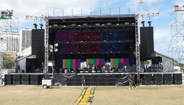 Những con số ấn tượng trong đại tiệc EDM Armin Van Buuren by VinaPhone - Ảnh 6.