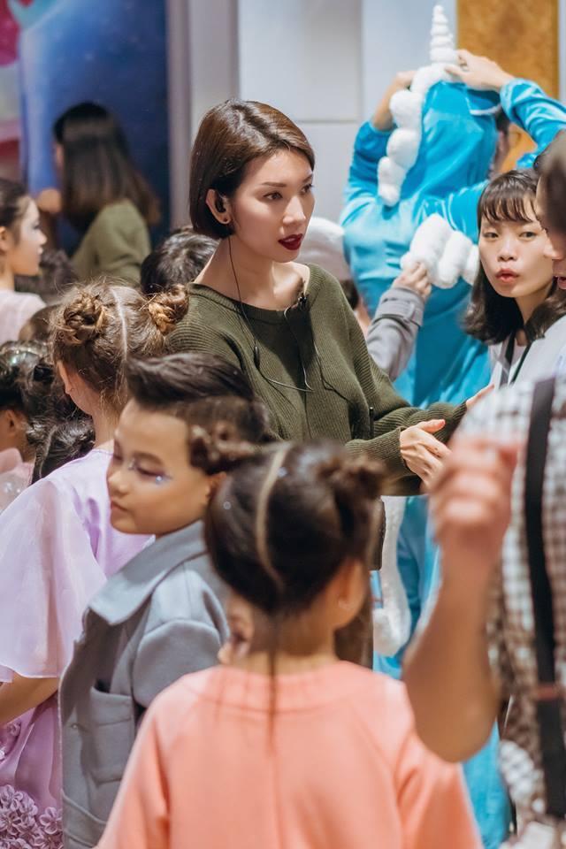 Show diễn thời trang và nhạc kịch cho trẻ em thu hút hàng ngàn khán giả nhí Thủ đô tham dự - Ảnh 5.