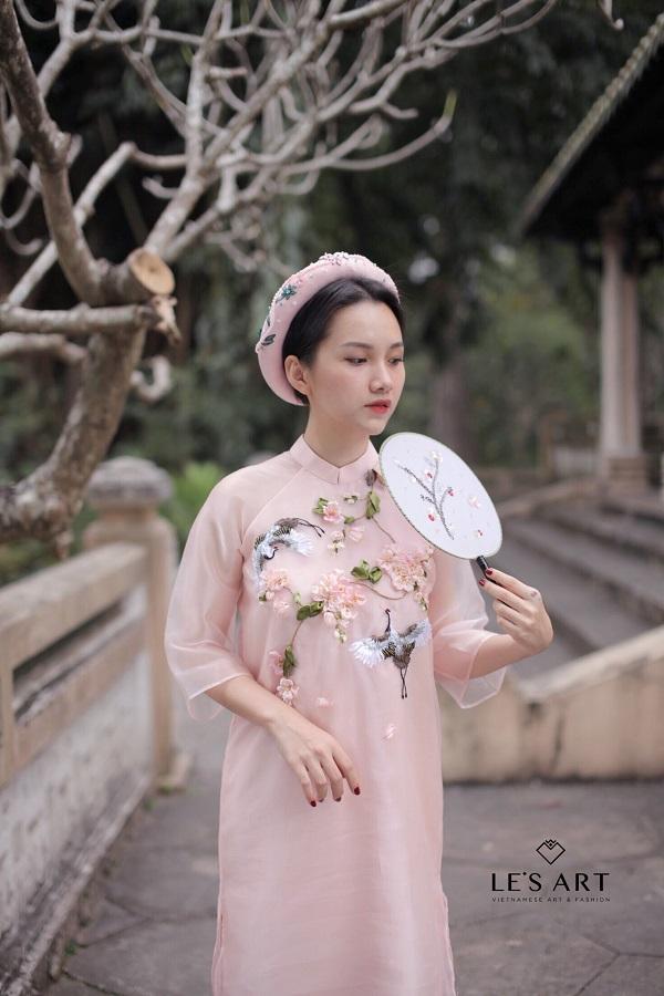 Áo dài thêu tay - Xu hướng thời trang đang lên ngôi mùa Tết 2018 - Ảnh 1.