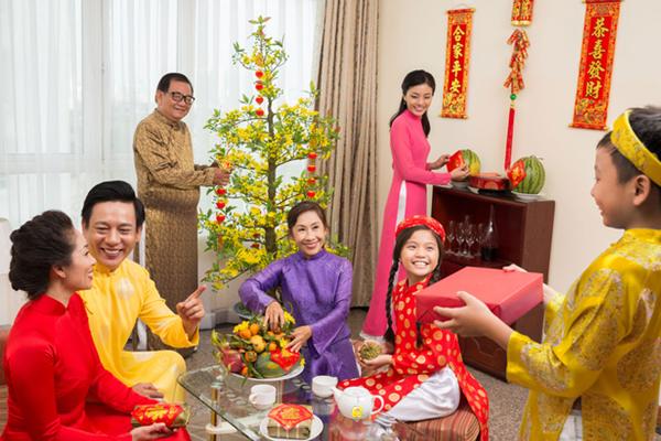 Đi khắp Việt Nam, khám phá cách ăn Tết ở 3 miền Bắc - Trung – Nam - Ảnh 3.