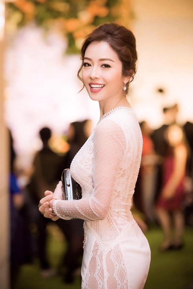 Nhìn lại hành trình thay đổi nhan sắc của hoa hậu Jennifer Phạm - Ảnh 6.
