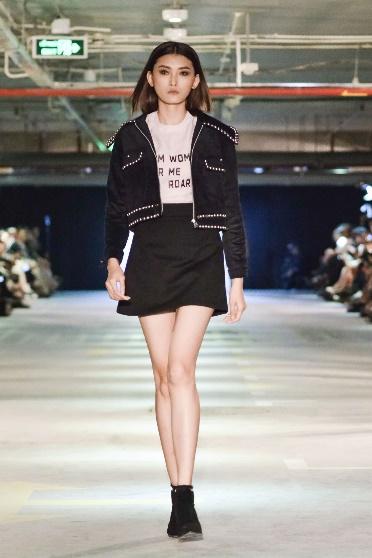 BST Girl Boss của Phạm Hương - Cảm hứng bất tận đến từ hình ảnh những cô gái thành thị - Ảnh 5.