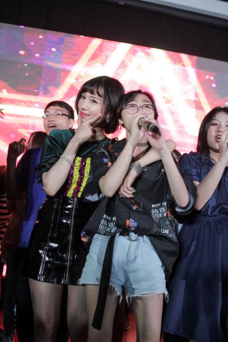 Min và Jaykii xuất hiện, truyền cảm hứng cho thí sinh tại đêm thi Nhóm hát top 35 của Voice Up - Ảnh 4.