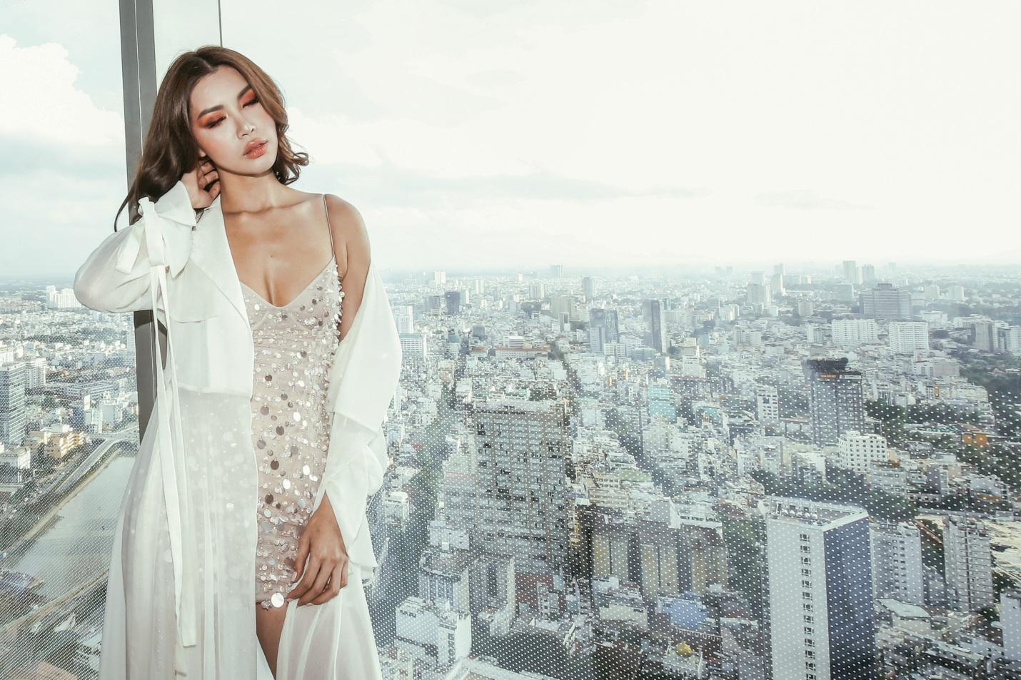 Sau fashion show cực thành công, NTK Chung Thanh Phong bất ngờ tiết lộ bí mật sau hậu trường - Ảnh 1.
