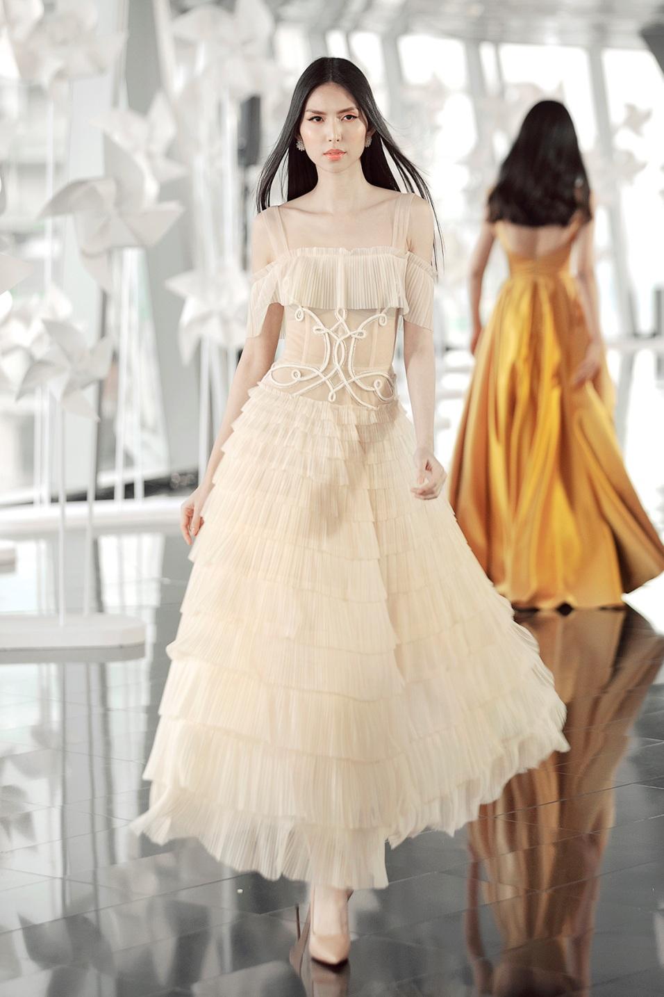 Sau fashion show cực thành công, NTK Chung Thanh Phong bất ngờ tiết lộ bí mật sau hậu trường - Ảnh 10.