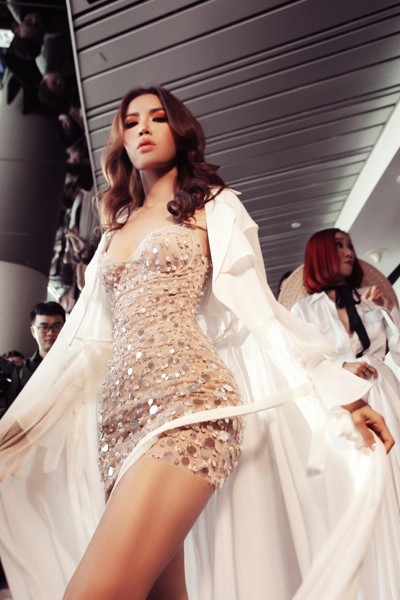 Sau fashion show cực thành công, NTK Chung Thanh Phong bất ngờ tiết lộ bí mật sau hậu trường - Ảnh 11.