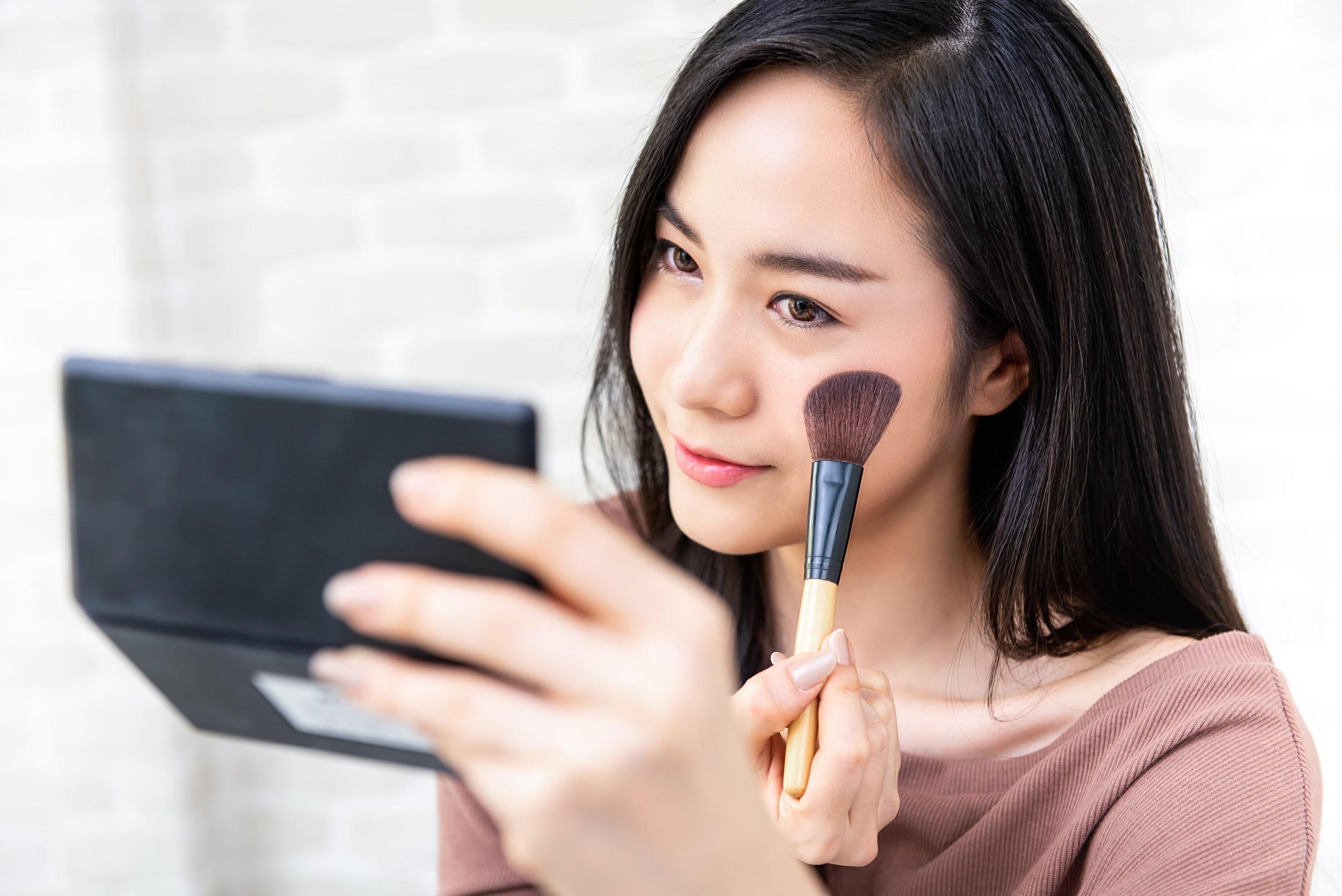 Tẩy trang và rửa mặt trong 1 bước: Là do bạn không biết cách chăm sóc da hay vì lười? - Ảnh 1.