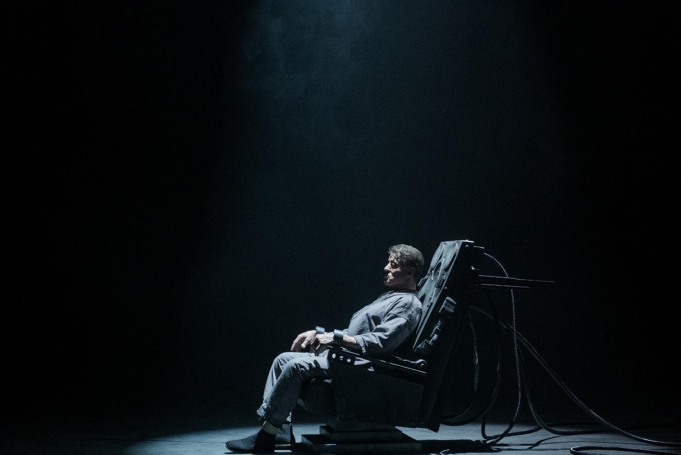 """Đấu trí căng não, đấu sức mãn nhãn với phim vượt ngục """"Escape Plan 2"""" - Ảnh 6."""