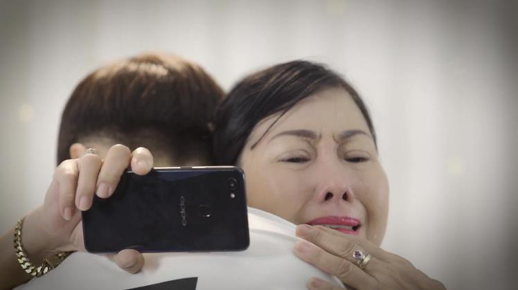 Ngày Gia đình Việt Nam, rớt nước mắt với đoạn clip tình cảm mẹ và con - Ảnh 8.