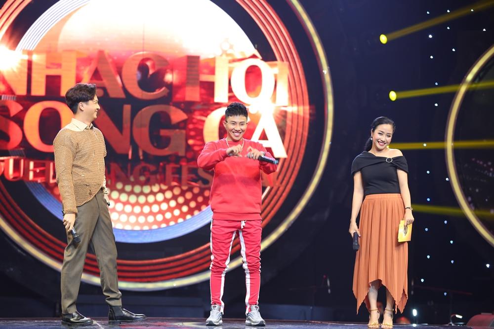 Khương Ngọc, Khả Như xích mích nhau vì giành phần giới thiệu với khán giả - Ảnh 9.