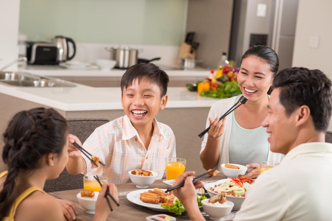 Bạn hẳn sẽ giật mình vì những điều không bao giờ nghĩ đến về bữa cơm nhà - Ảnh 4.