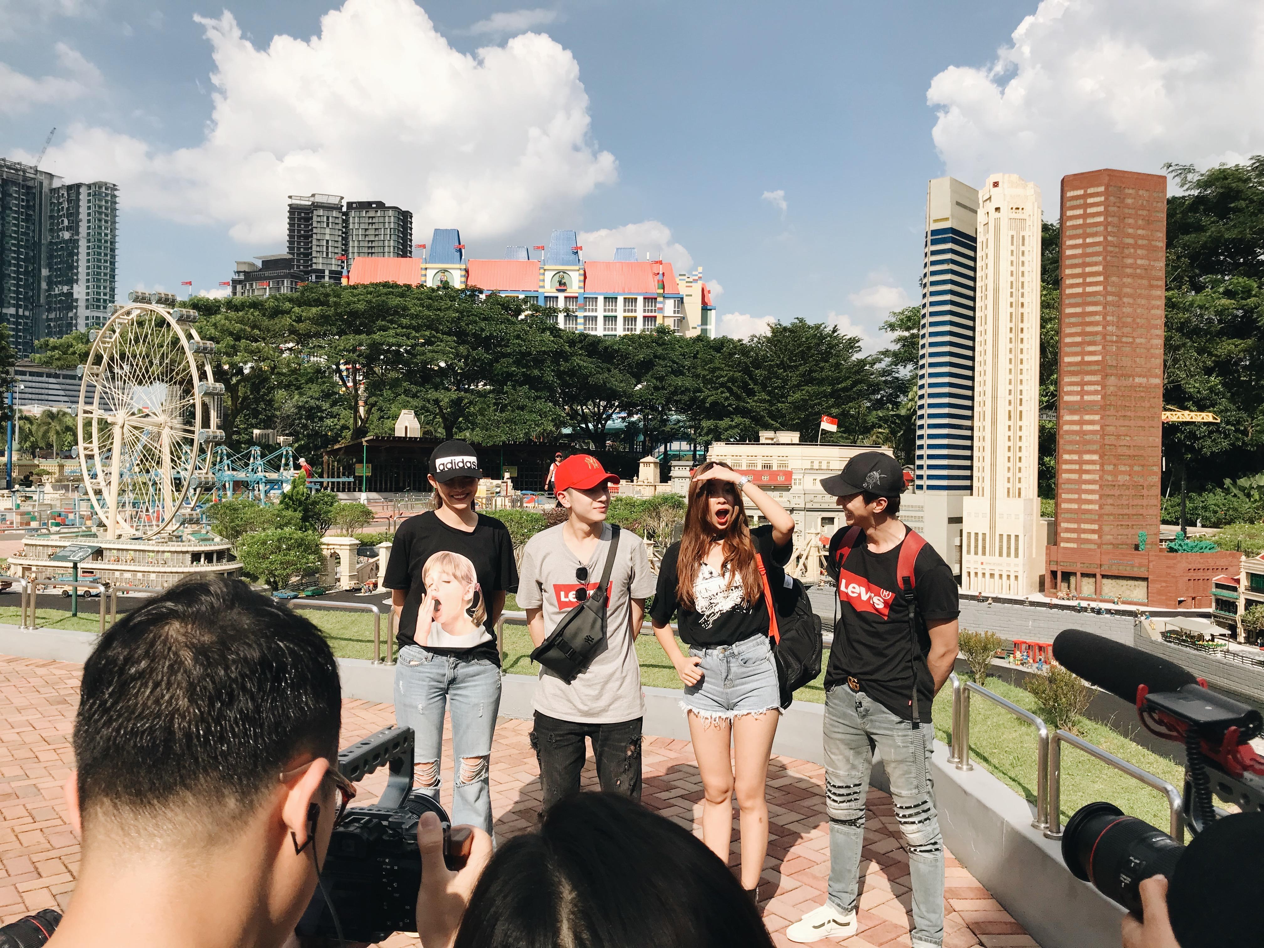 Trương Mỹ Nhân, Phí Ngọc Hưng đối đầu Đồng Ánh Quỳnh, Bình An trong chương trình du lịch tương tác tại Malaysia - Ảnh 2.