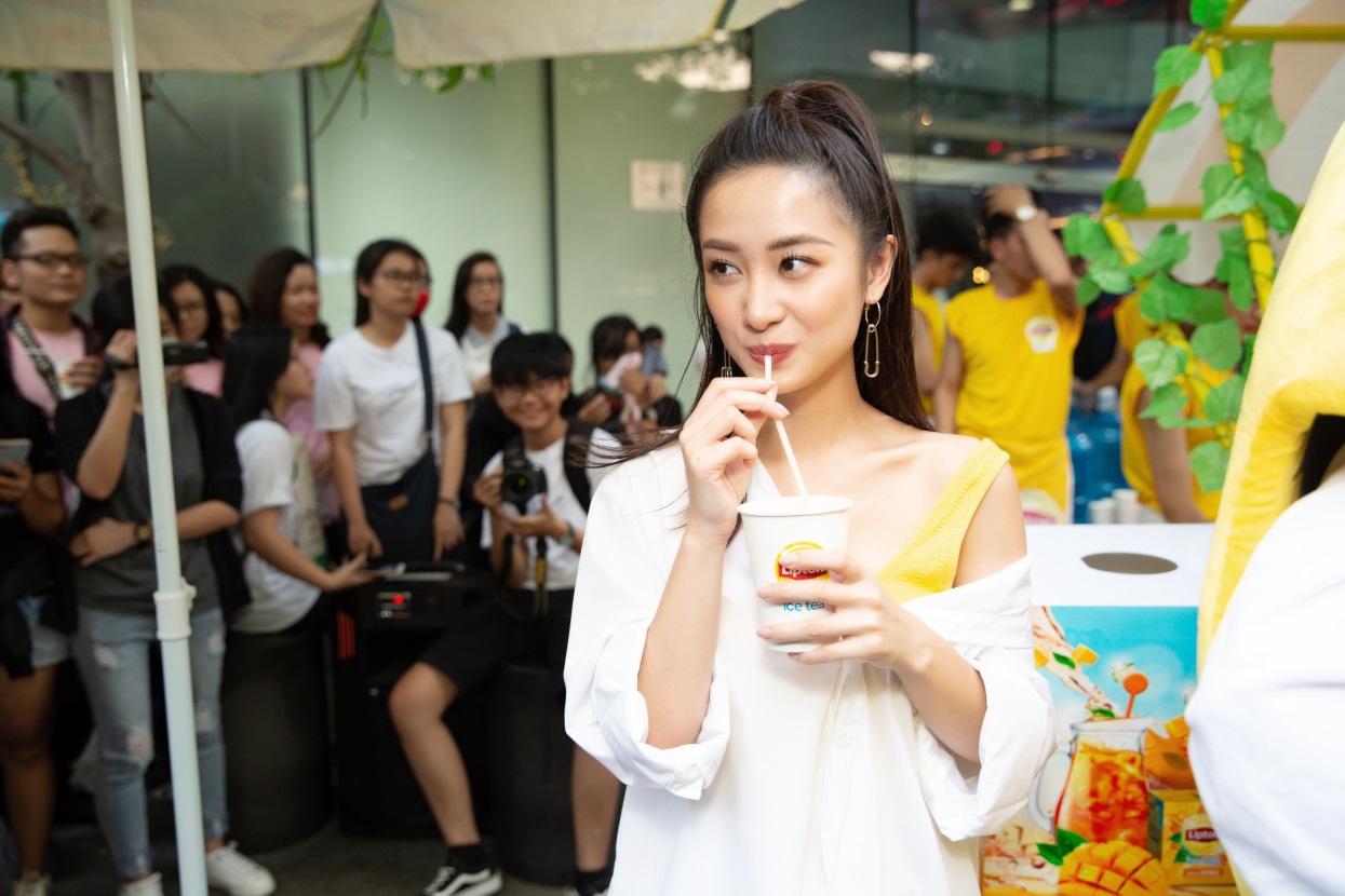 Bất ngờ khi thấy Jun Vũ - Jun Phạm, Min – Harry Lu hẹn hò trà chiều, hàng trăm fan đột kích buổi hẹn - Ảnh 5.