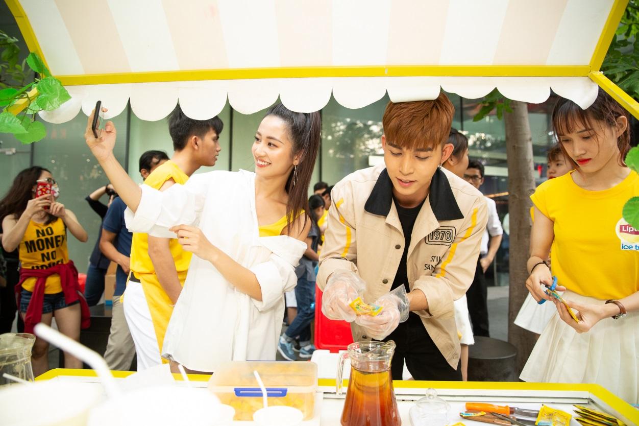Bất ngờ khi thấy Jun Vũ - Jun Phạm, Min – Harry Lu hẹn hò trà chiều, hàng trăm fan đột kích buổi hẹn - Ảnh 8.