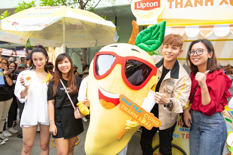 Bất ngờ khi thấy Jun Vũ - Jun Phạm, Min – Harry Lu hẹn hò trà chiều, hàng trăm fan đột kích buổi hẹn - Ảnh 14.