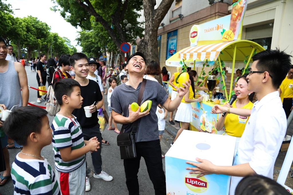 Bất ngờ khi thấy Jun Vũ - Jun Phạm, Min – Harry Lu hẹn hò trà chiều, hàng trăm fan đột kích buổi hẹn - Ảnh 15.