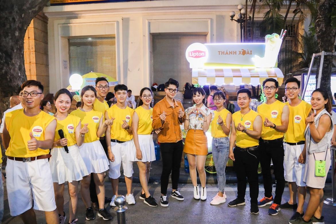 Bất ngờ khi thấy Jun Vũ - Jun Phạm, Min – Harry Lu hẹn hò trà chiều, hàng trăm fan đột kích buổi hẹn - Ảnh 23.