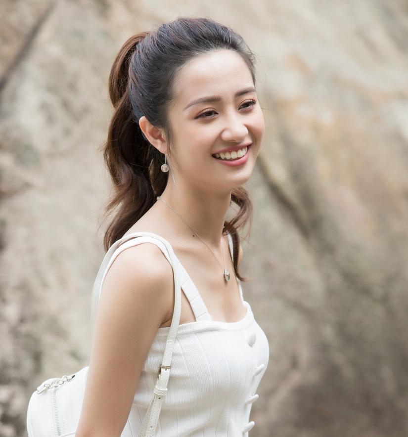 Mix đồ chuẩn cá tính đón ngày hè rực rỡ như Hòa Minzy, Jun Vũ, Sỹ Thanh - Ảnh 4.