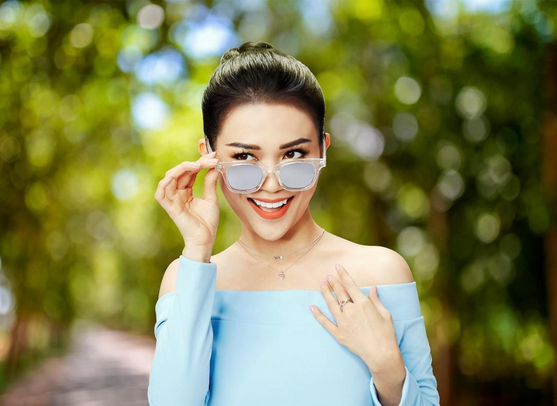 Mix đồ chuẩn cá tính đón ngày hè rực rỡ như Hòa Minzy, Jun Vũ, Sỹ Thanh - Ảnh 6.