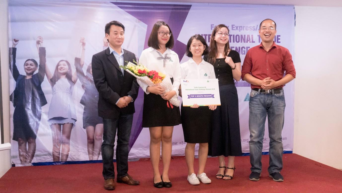 UK Academy đại diện Việt Nam dự thi ITC khu vực Châu Á Thái Bình Dương - 2018 - Ảnh 2.