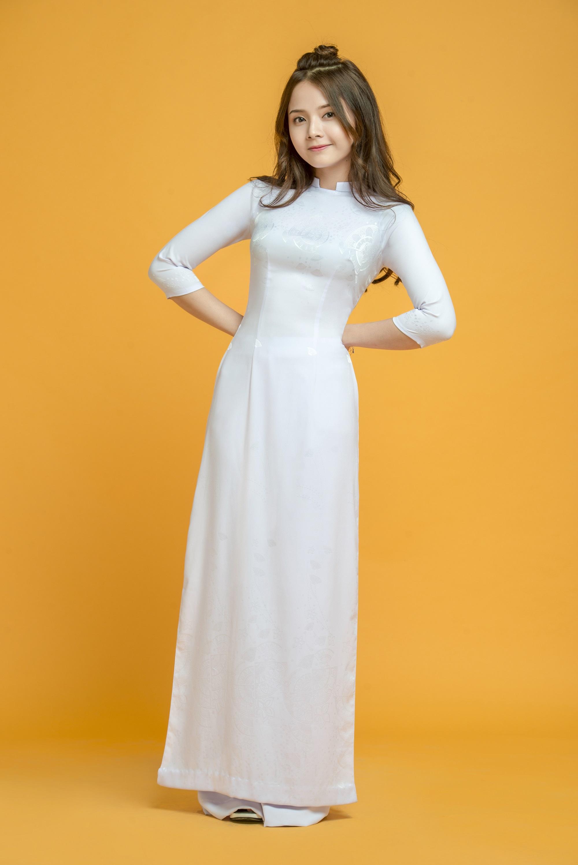 Những tà áo dài trắng phải chọn cho ngày tựu trường - Ảnh 1.