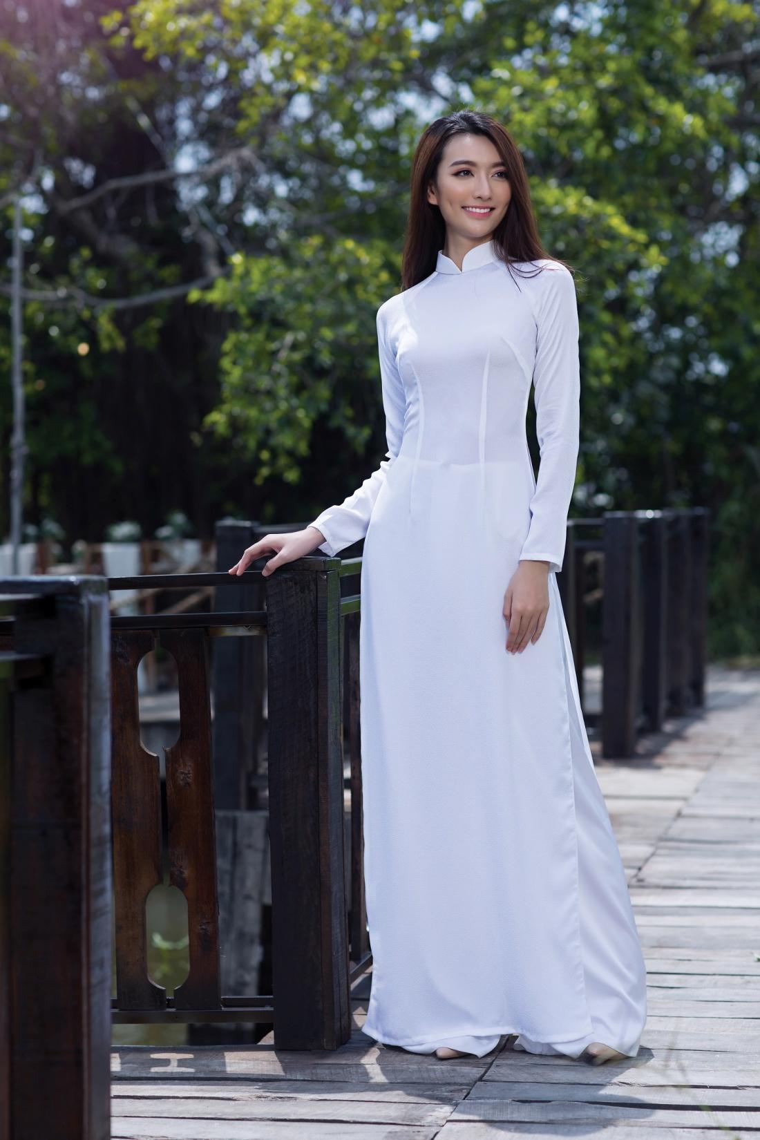 Những lỗi khi diện áo dài nữ sinh nên lưu ý - Ảnh 1.